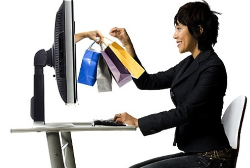 Woman shopping online   Original Filename: 72883564.jpg Gettyimages